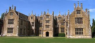 Tudor essay help!!!!!?