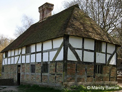 Characteristics of tudor houses for House look from outside