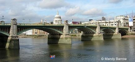Southwark Bridge - Bridge - visitlondon.com